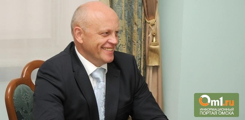 Виктор Назаров поздравил омичек с 8 Марта