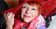 Пожилая омичка с ярким макияжем ограбила мебельный салон