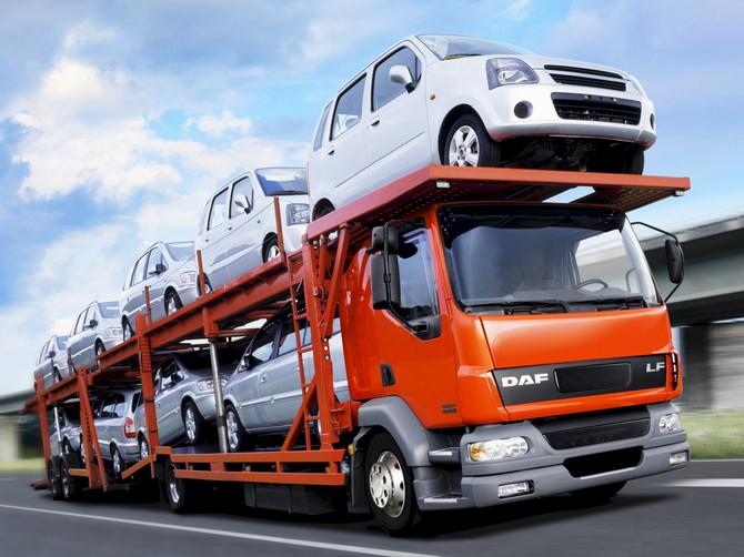 В Омской области задержан грузовик, перевозивший разыскиваемые иномарки