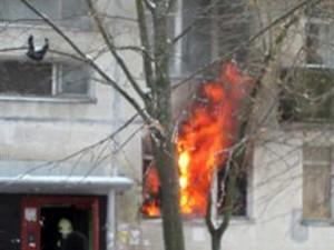В Омске из-за горения «самодельного» газопровода эвакуировали 8 жильцов дома