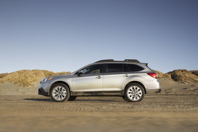 Клуб «двухмиллионников»: Subaru и KIA начали продажи Outback и Sorento