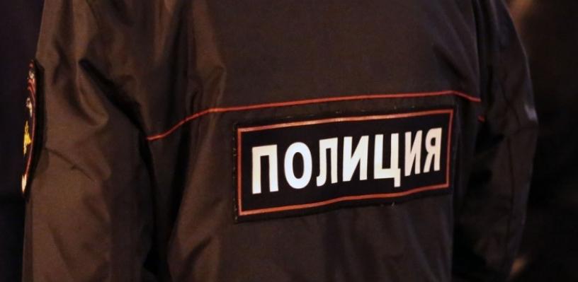 У здания омского суда поймали полицейского, пытавшегося продать спайс
