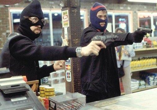 Омские полицейские нашли банду налетчиков на АЗС