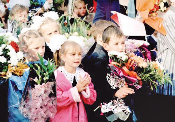 Почти 200 тысяч омских школьников 1 сентября сядут за парты
