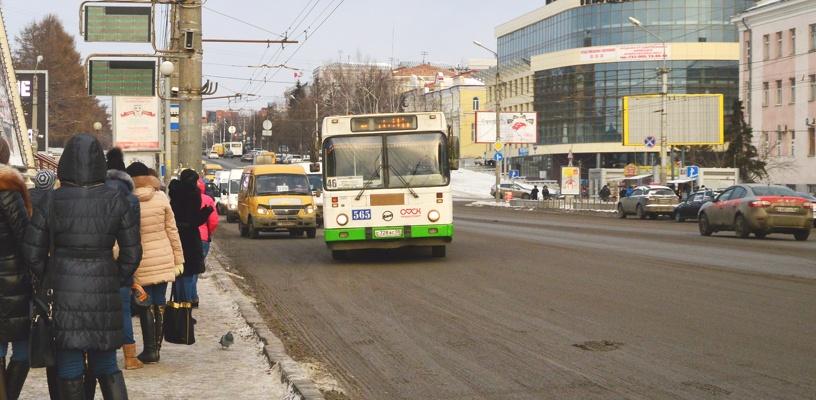 В Омске сократят количество маршруток и увеличат пассажиропоток в автобусах