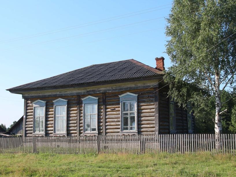 В Омской области на строительство школы для 12 учеников выделено 3 млн рублей
