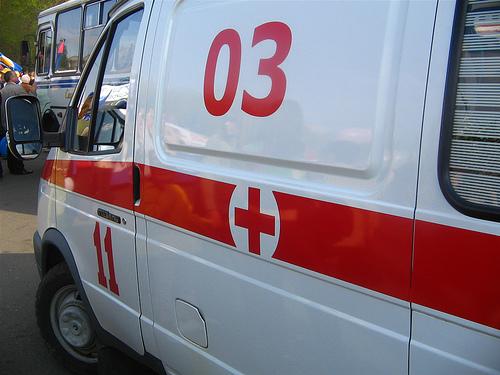 В Омске отечественный автомобиль врезался в маршрутку: пострадали люди