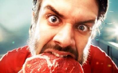 Два омича украли из чужого дома флягу с мясом