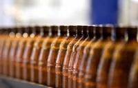 Госдума намерена запретить продажу алкоголя в пластиковой таре