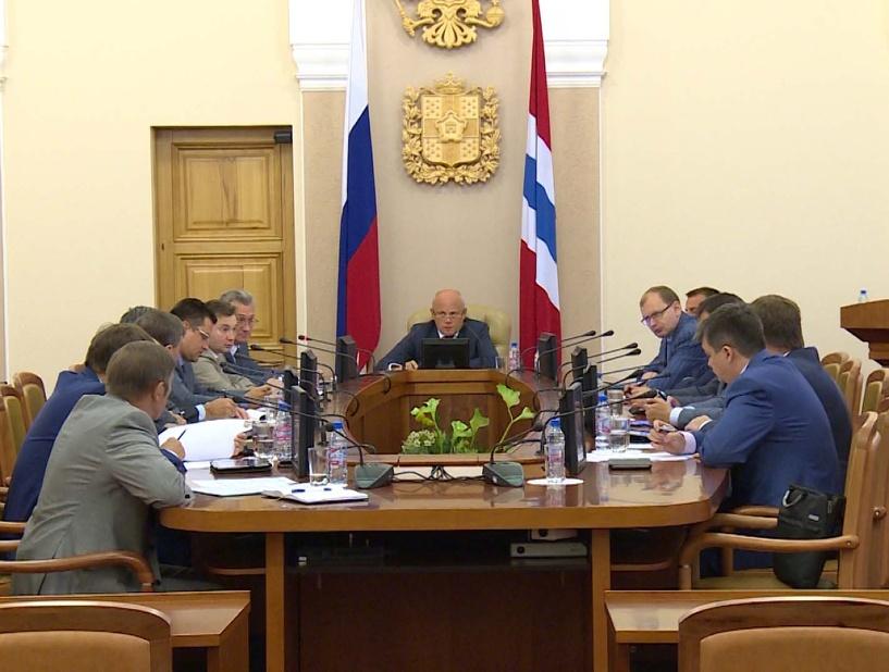 Назаров призвал омских министров сдать кровь