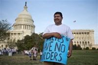 Власти США более 11 миллионов нелегальных мигрантов получат гринкарты