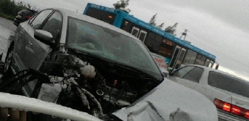В Старом Кировске омичка на иномарке не уступила дорогу «КамАЗу»