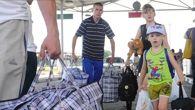 Омичи передали почти миллион рублей на нужды беженцев с Украины