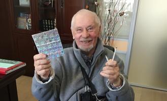 Омского пенсионера-изобретателя родные попытались отправить в психушку