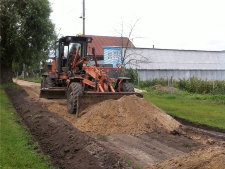 В Омской области в центре села Кукарка восстановят размытую паводком дорогу