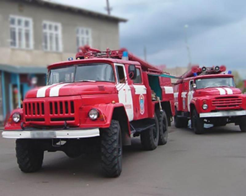 Ночью пожарные спасли жизни трех детей