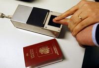 Госдума разрешила внести в загранпаспорта россиян отпечатки пальцев