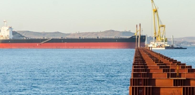 Турецкое судно протаранило строящийся мост через Керченский пролив