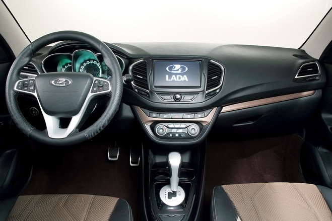 АвтоВАЗ тормозит: с нового года модели Lada подорожают всего на 7-8%