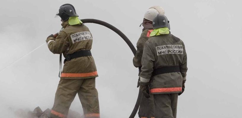 В Омске загорелся дом с магазином «Тысяча мелочей»