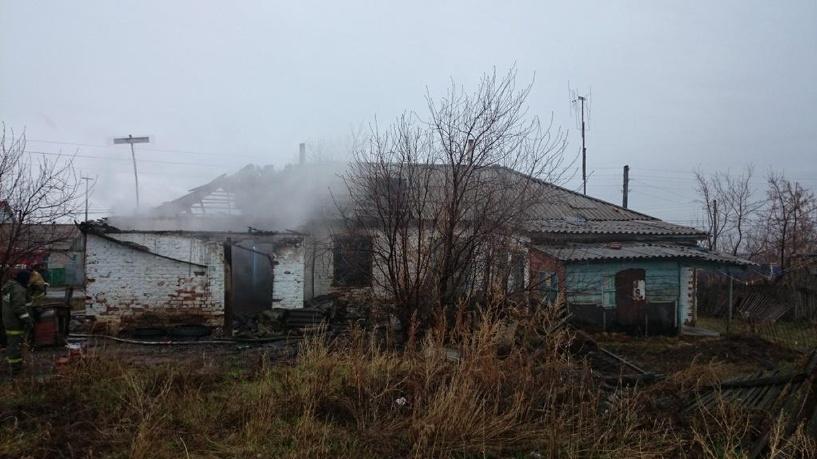 В Омской области из-за пожара в квартире обвалилась кровля