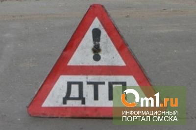 В центре Омска столкнулись две легковушки ВАЗ