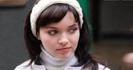 Звезда сериала «Восьмидесятые» показала родной Омск своей детке