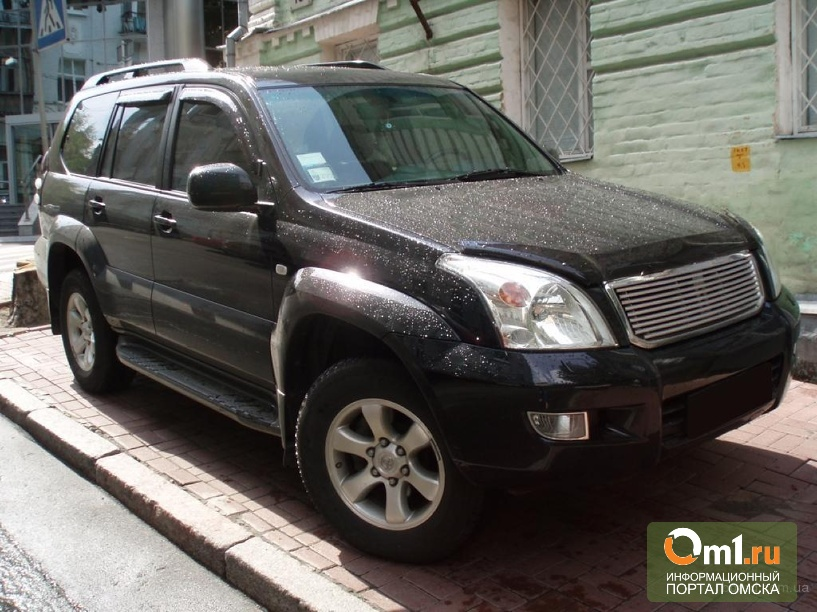 У жителя Омской области чуть не отобрали Toyota Land Cruiser Prado за долги