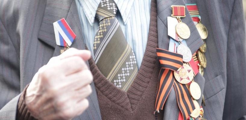 В Омске ищут водителя, который насмерть сбил ветерана и скрылся с места ДТП