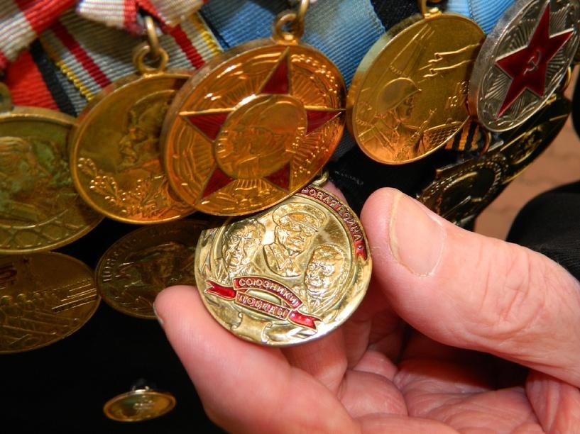 Омичка украла у ветерана Великой Отечественной войны три медали