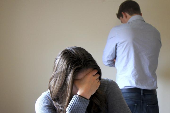 Омич, который судится с бывшей женой из-за двойняшек, заявил о ее лесбийских наклонностях