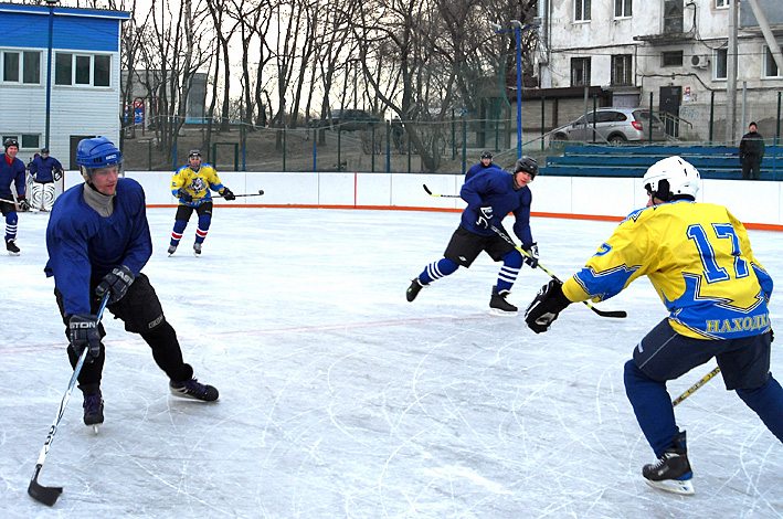 В Омске зальют более 80 хоккейных коробок