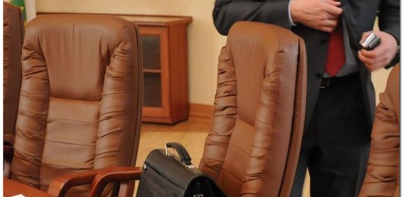 Администрация Омска исключила депутата из-за годового отсутствия
