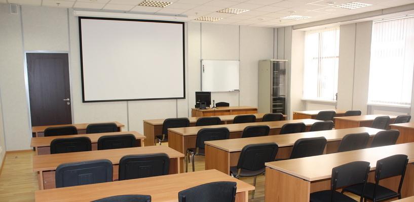 Омские школьники выходят на учебу после двухнедельного карантина