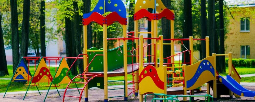 На Левобережье Омска благоустроена еще одна детская площадка