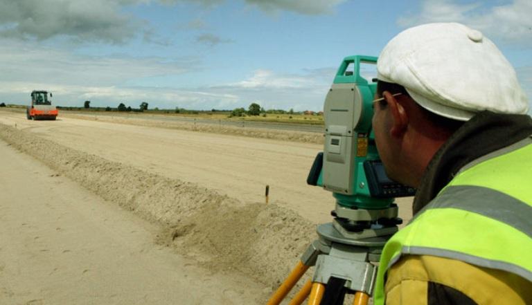 823 млн рублей получит Омская область на строительство сельских дорог