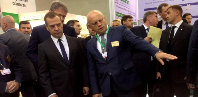 Назаров представил Медведеву инвестиционные проекты АПК Омской области