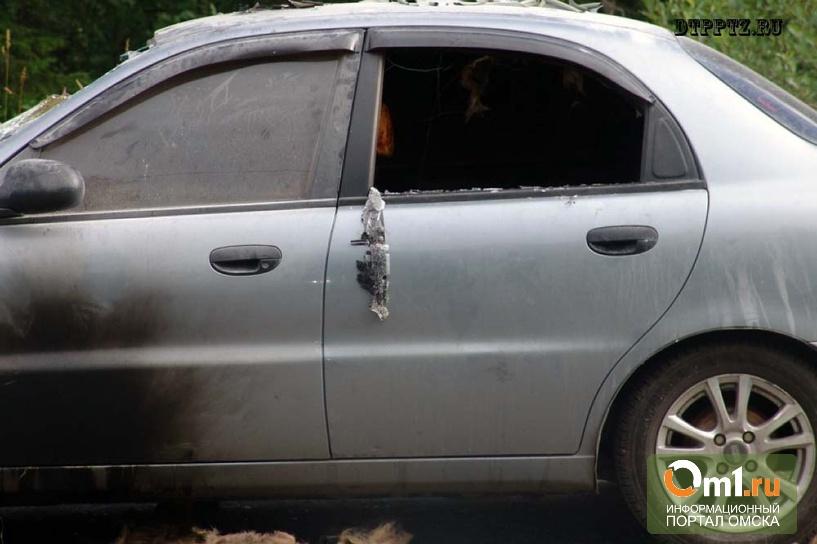 В Омске загоревшийся Chevrolet Lanos тушили «газировкой»