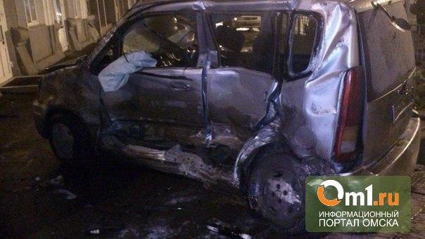 За рулем Lexus'а, который протаранил в Омске три авто, мог быть пьяный мужчина