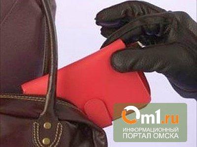 Омичка потеряла в «Меге» 37 тысяч рублей