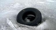 В Омской области двое мужчин провалились под лед и утонули
