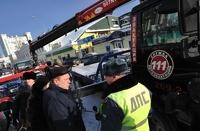 В Госдуме хотят отменить штрафы и вывоз авто за неправильную парковку