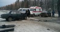 В результате столкновения «Приоры» и «ВАЗа» пострадало четыре омича