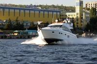 На Волге катер столкнулся с яхтой