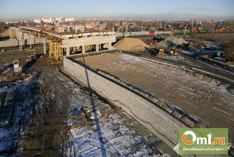 «Мостовик» завершает строительство путепровода на Торговой в Омске