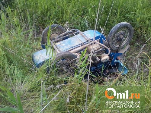 Омский мотоциклист без прав «убил» своего пассажира, опрокинувшись в кювет