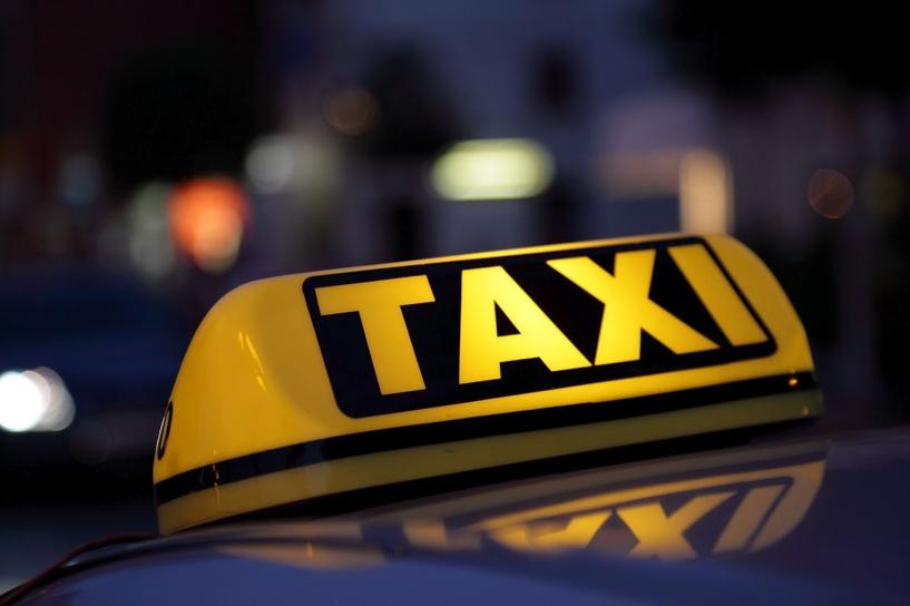 За две недели проверки в Омске поймали больше 100 нелегальных такси
