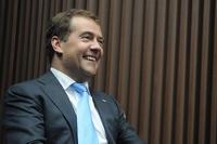 Медведев согласился освободить от налогов траты компаний на образование