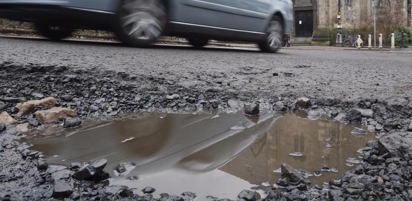 «Народный фронт» отметит на карте Омска аварийные дороги
