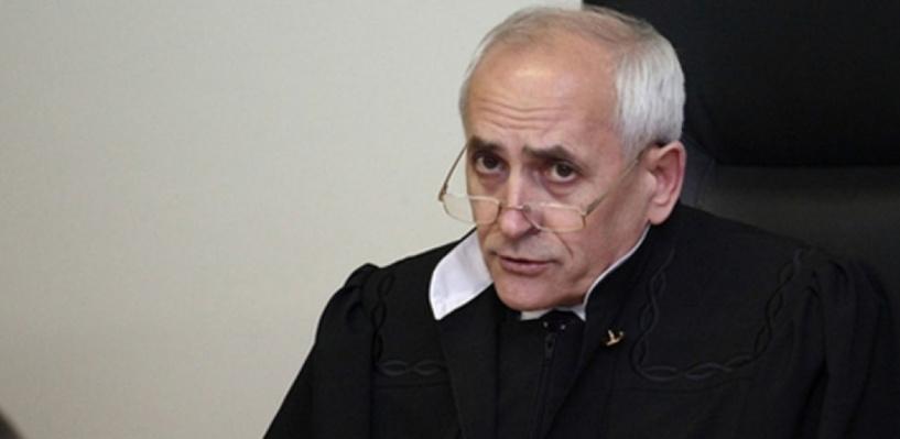 Судью из Омска, на которого было совершено покушение, выписали из больницы